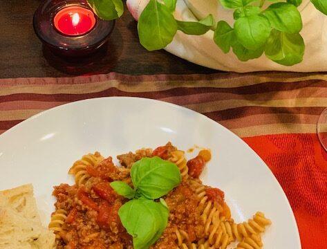 Pasta Bolognese sauce (Ragù)
