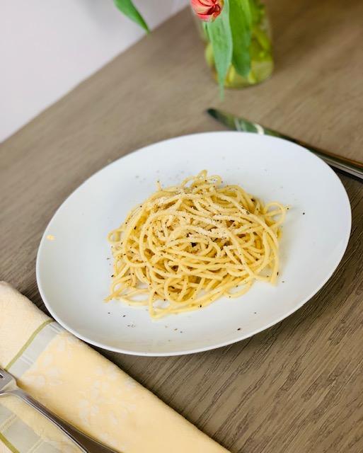 Easy Cacio & Pepe Pasta