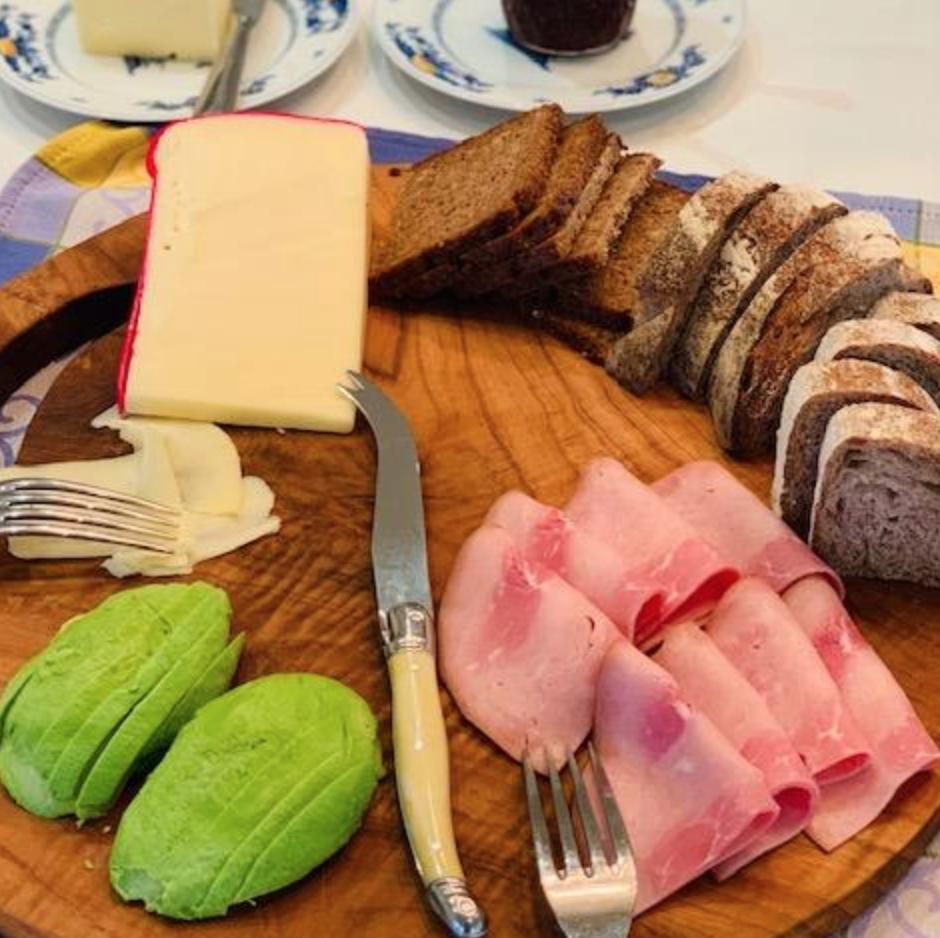 Breakfast board-bread, ham, cheese & avocado