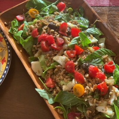 Farro salad with vegetables