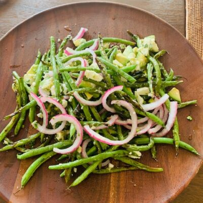 haricots verts with feta and avocado